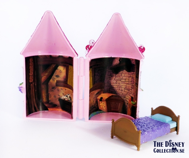 sleeping_beauty_castleplayset_disneystore-2