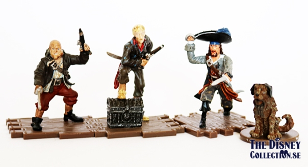 piratesofhtecaribbean_disneystore2