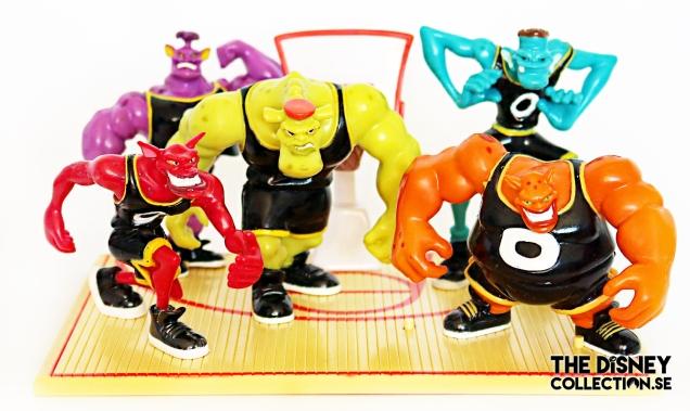space-jam-Tune-squad-vs-monstars-full-court-gift-set2