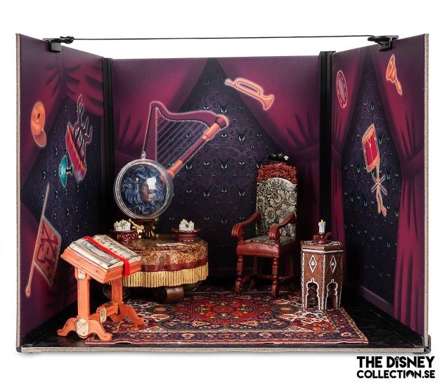 The Haunted Mansion Seance Circle Diorama Kit2
