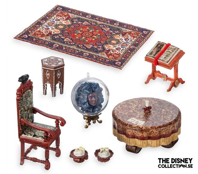 The Haunted Mansion Seance Circle Diorama Kit3